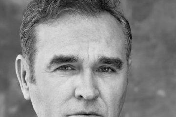 Morrissey libera primeira música de seu novo disco